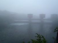 湖尻水門から水が流れていた